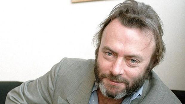 Hitchens habla sobre los ataques a la libertad de expresión