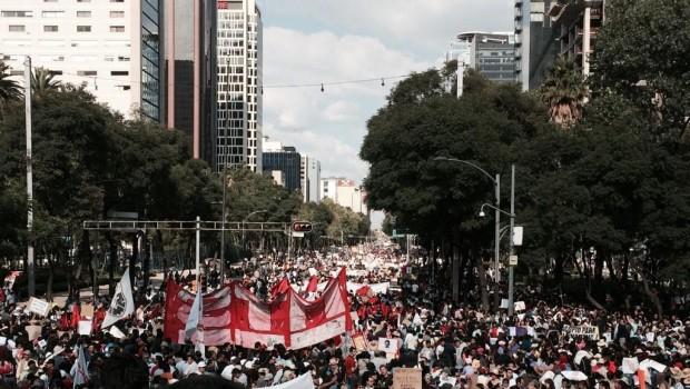 Escritores hablan sobre Ayotzinapa