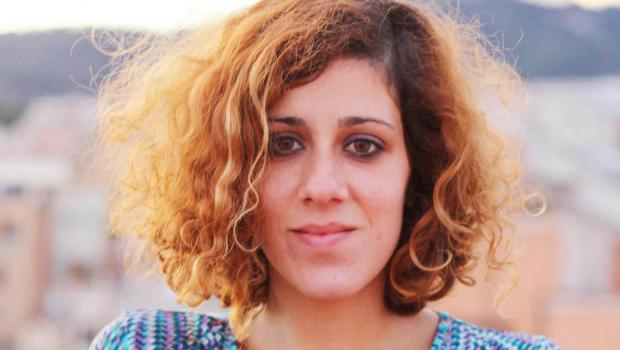 Otra vuelta de tuerca al estereotipo de la poesía femenina