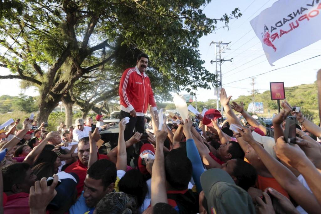 la-oposicion-saca-30-puntos-de-ventaja-al-chavismo-aunque-la-brecha-se-reduce