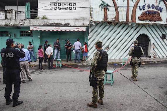 policia_asesinado_acapulco-1_2
