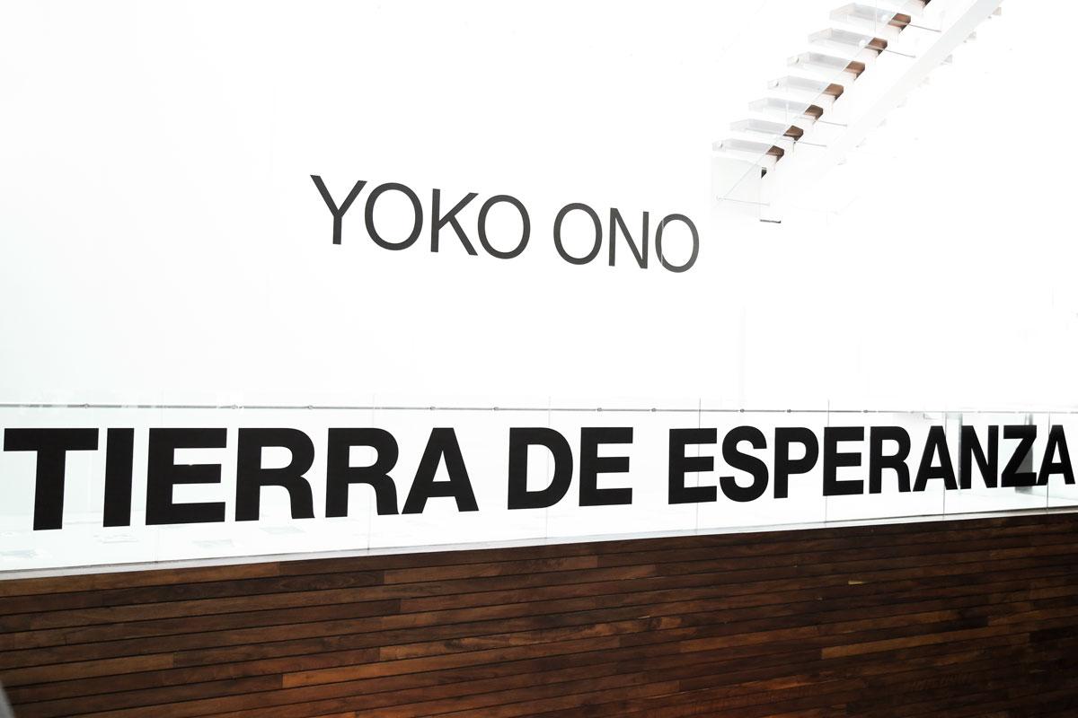 Yoko-Ono-03