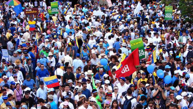 ¿Tan chéveres como siempre?: Venezuela migrante