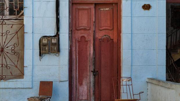 Cincuenta y ocho y más sillas vacías de las artes visuales cubanas