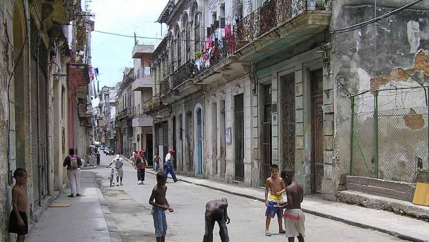 Cuba fuera de los mapas