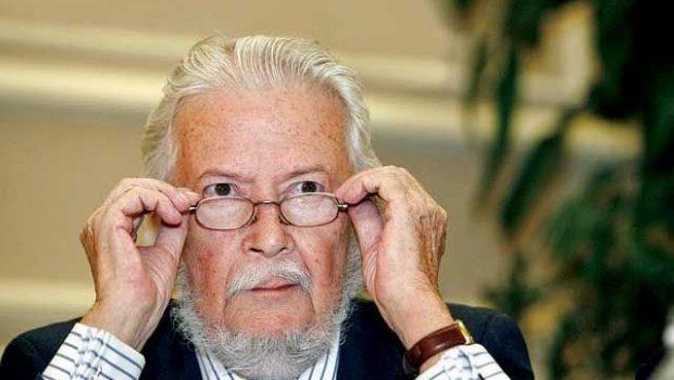 Fernando del Paso compró un libro de Jean Anouihl en Guadalajara