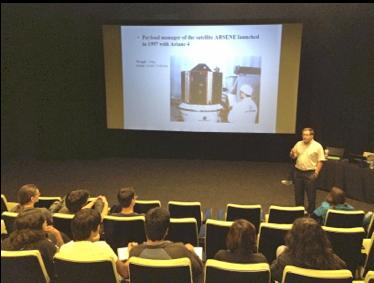 Gerard Auvray en el primer encuentro de nano-satélites, Centro de Cultura Digital (2013)