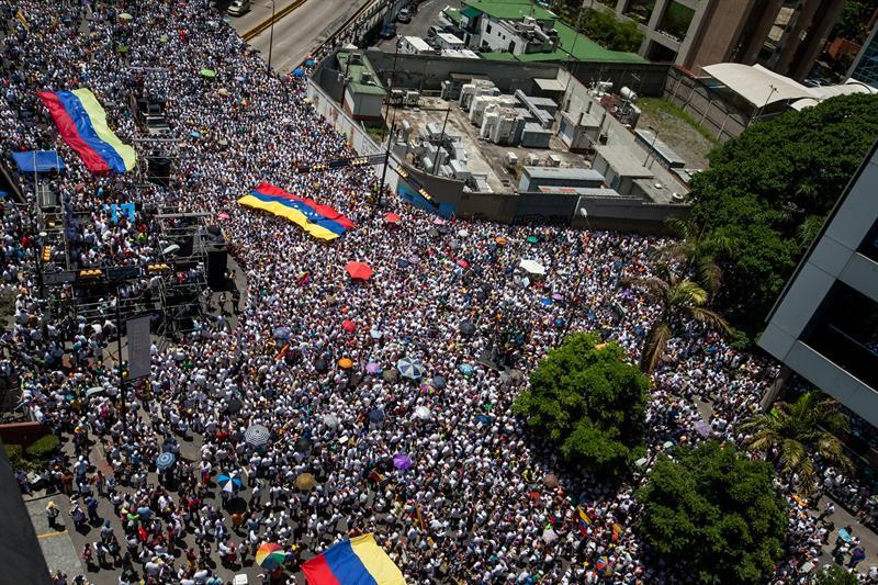Masivos respaldo a Leopoldo López