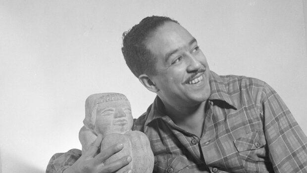 De cómo Langston Hughes regresó a México